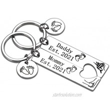 Daddy and Mommy Est 2021 Keychain Sets Pregnancy Announcement Gifts for Mom Dad to Be Gender Reveal New Baby Gift Basket for Expectant parents First Time Dad Gifts Fathers Day New Mom Jewelry Gifts